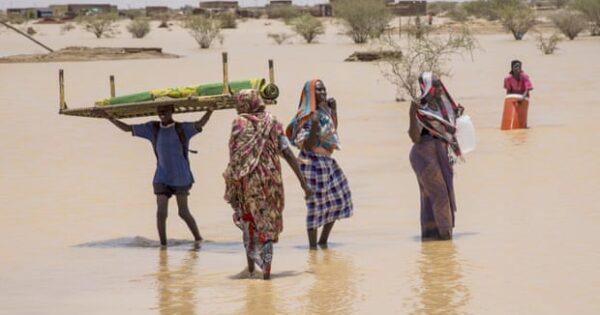 Poplave uzrokovane obilnim sezonskim kišama uništile su ogroman broj domova u državi Kartum i Sudan. Fotografija: Agencija Anadolu / Getty Images