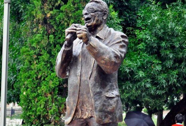 Spomenik Šabanu Bajramoviću na Keju; foto: Nišvil